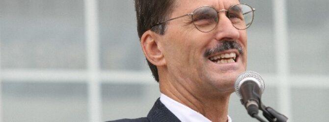 Lee board returns Conn as Lee U president till 2022