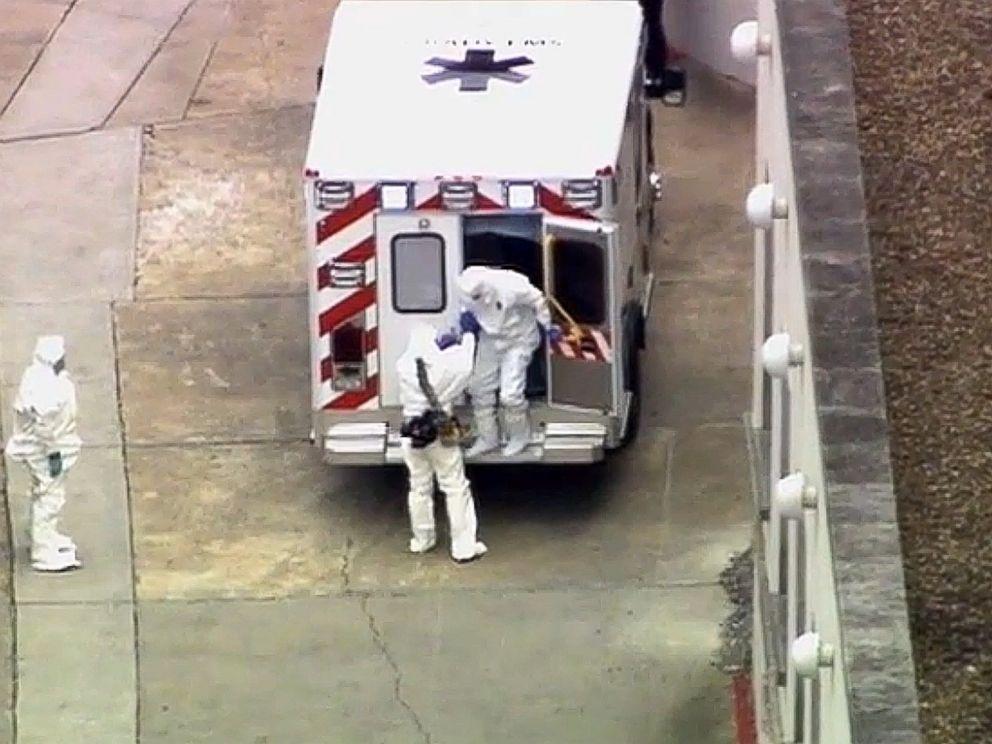 AP_ebola_ambulance_kent_brantly_jt_140802_4x3_992[1]