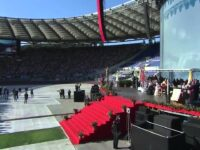 Pope fathers charismatics into the Vatican in 2017