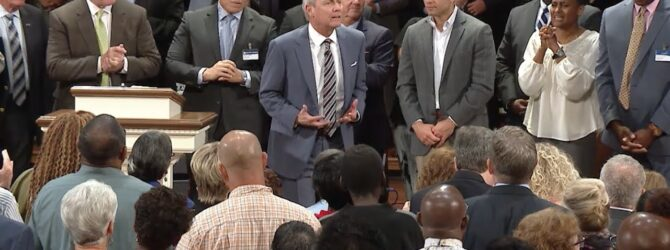 """Shake It Off"" pastor Loran Livingston, Central Church    August 18, 2019 8 30"