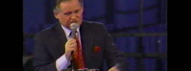 R. Lamar Vest Preaches at Centennial Church of God General Assembly—1986