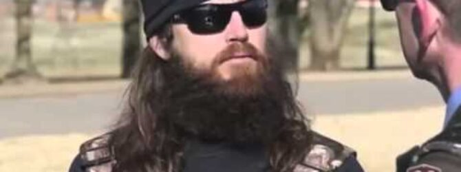 Duck Dynasty Star Jase Robertson Speaks Out On His Faith